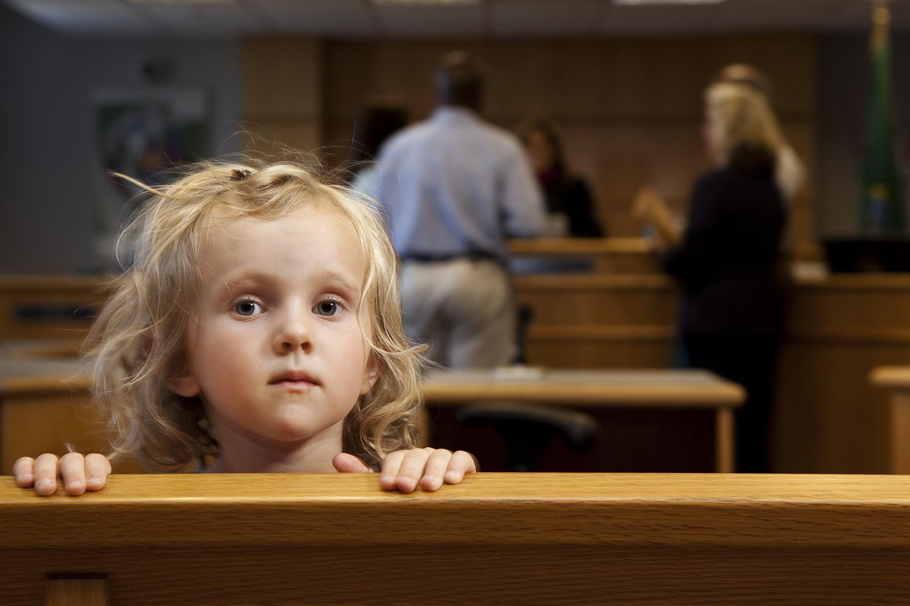 Перемена фамилии ребенку после развода родителей